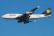 Lufthansa Airlines B747-430 (D-ABVU)