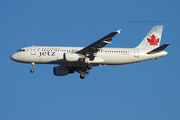 Air Canada A320-211 (C-GQCA)