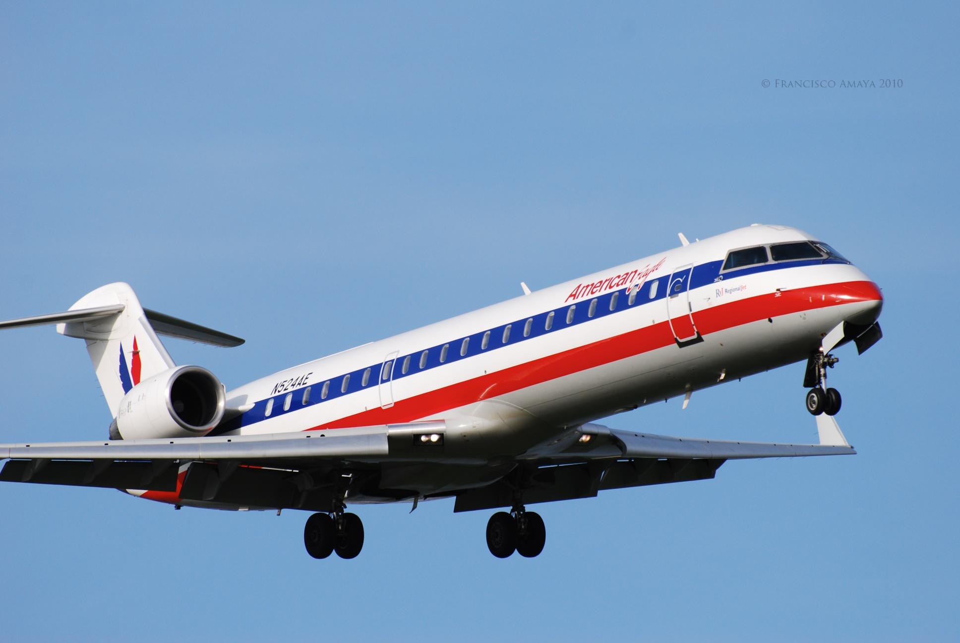 American Eagle CRJ-701 (N524AE)