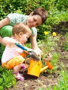 CRIANÇAS: Vamos jardinar, chapinhar e brincar (+15 meses)