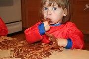 CRIANÇAS: Vamos pintar com chocolate e adoçar a Páscoa (+12M)