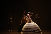 "DANÇA: "" iTMOi - In the Mind of Igor"", de Akram Khan"