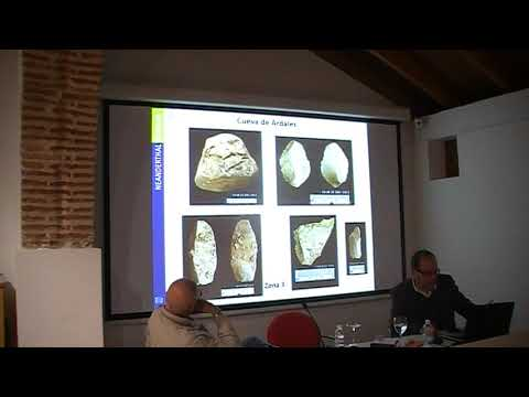 Ramos Muñoz, catedrático de Prehistoria, conferencia Pleistoceno. Marbella II