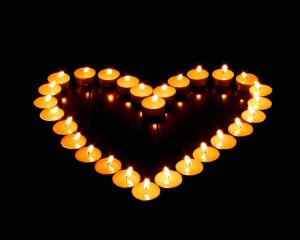 the candle heart_