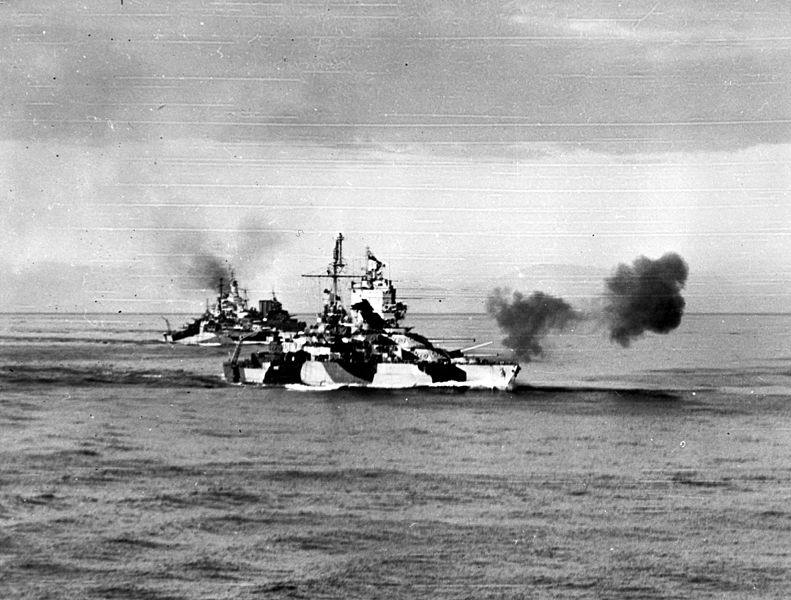 USS_Mississippi_(BB-41),_USS_West_Virginia_(BB-48)_and_HMAS_Shropshire_(73)_bombarding_Luzon_on_8_January_1945