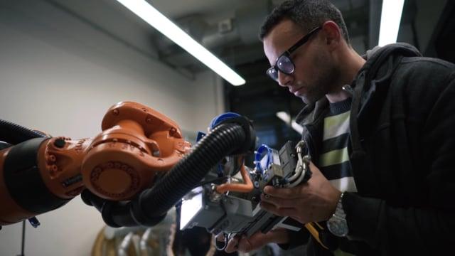 BIOPLASTIC ROBOTIC MATERIALIZATION
