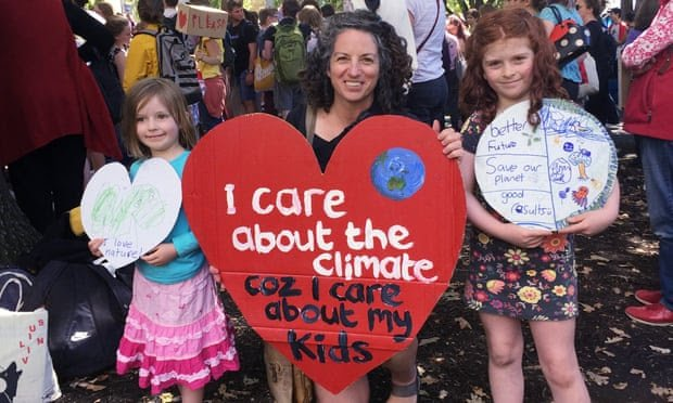 The Guardian: Parents around the world mobilise behind youth climate strikes