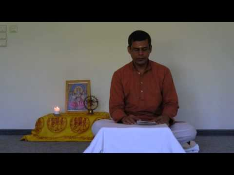 Harilalji Chants Chapter 1 of the Bhagavad Gita