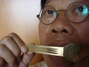 Tran Quang Hai plays the New Vietnamese Jew's harp with 3 tongues
