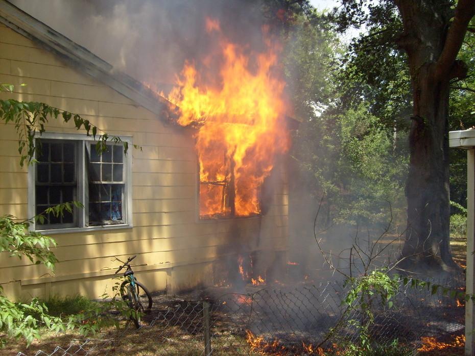 N.Alabama St. house fire summer '08-Jackson,MS