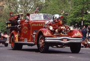 FT NY FDNY125 130 Ahrens Fox 1990