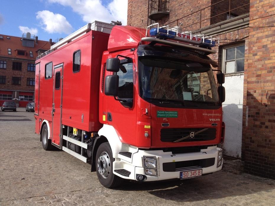 Command truck