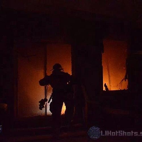 Mastic structure fire Avondale Dr. 01/03/2014 @ 00:25 hrs.