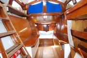 Port  rear cabin