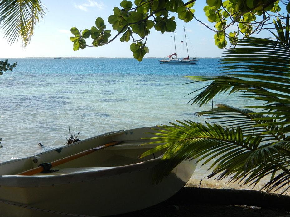 Kattu in Manihi Atoll