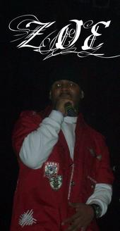 Zoe performing live with Skillz