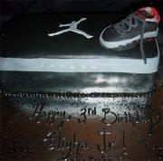 NIKE AIR JORDAN SHOE AND SHOE BOX CAKE