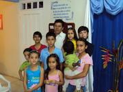 el de azul es mi hijo en la iglesia