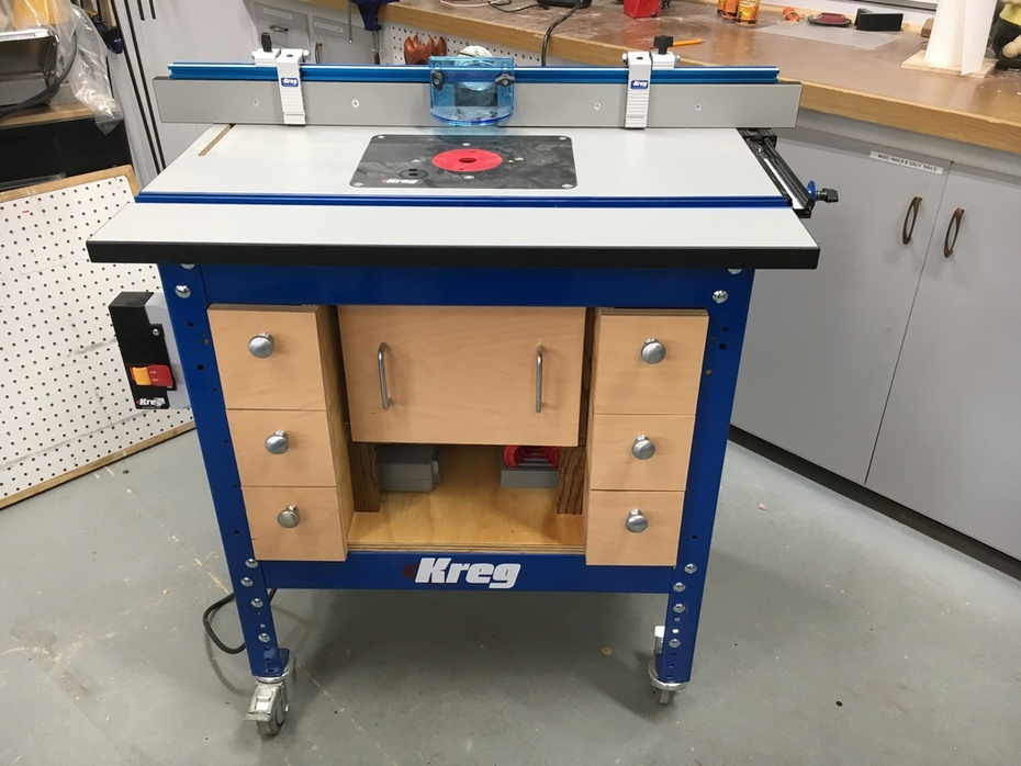 Completed router table