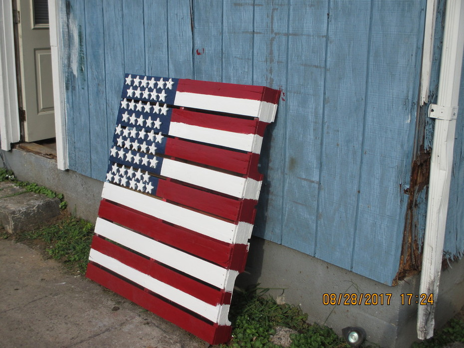 008  Pallet Flags