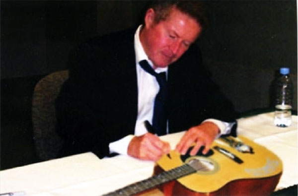 ARA Don Henley Fake Photo