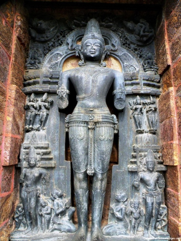Surya-or-the-Sun-God-Konark-900x1200