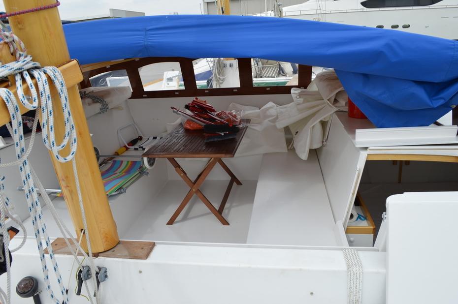 Narai cockpit.