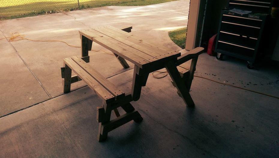 Bench/Picnic Table Combo (Picnic Mode)