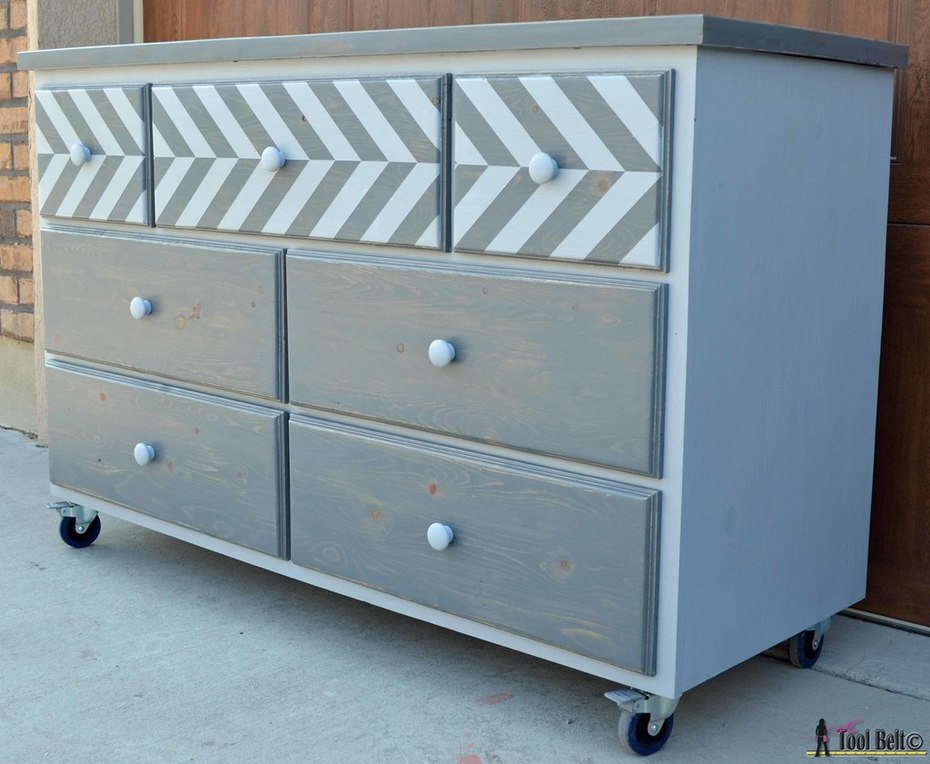7 drawer dresser-side view 2