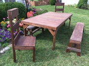 Side View of smooth Dining Set.