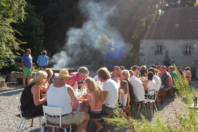 De zondagse barbeque in 2011 op Moulin des Jarasses