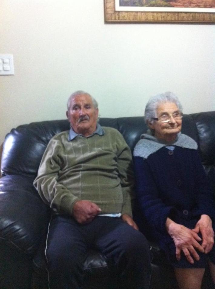 Tios Isaura e marido