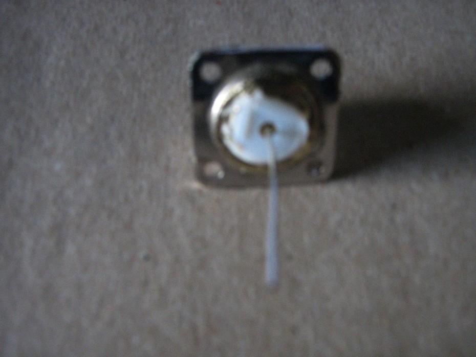 foto (8)Conector UHF fêmea para a lata