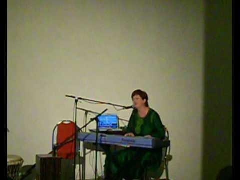 Kiva live at Prague Overtone Festival /09