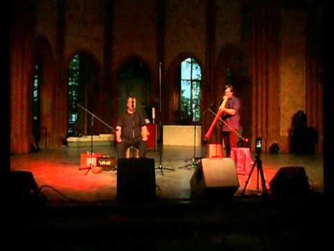 Didgeridoo & Overtone Singing / Obertongesang