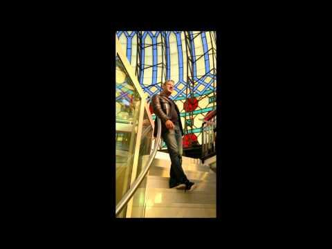 Jan Heinke demonstrates the subharmonic series