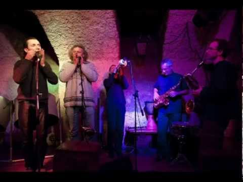LOOPING jaw harp orchestra – Unplugged Plucking