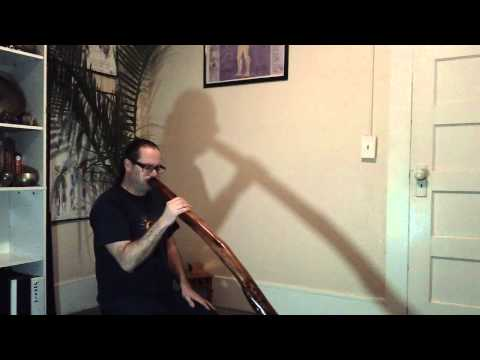 New Manzanita didgeridoo demo key of E (drone), 1st. trumpet in F