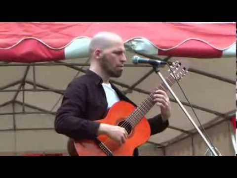 Tick Tick - Daniel Pircher - live 2013 - Obertongesang & Klassische Gitarre