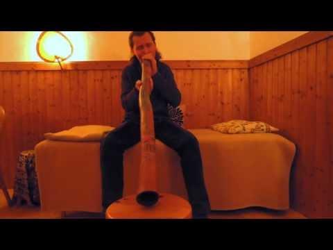 "Mikuskovics: ""Amazing Grace"" Didgeridoo Solo"