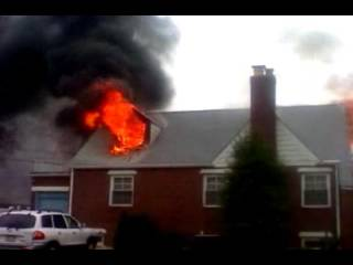 Blaze destroys New Milford home