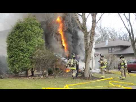 Elgin Firefighter rescues toddler from burning home