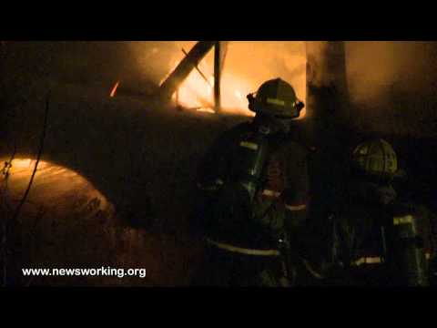 Pre-arrival video of pick-up truck fire in Northampton, PA