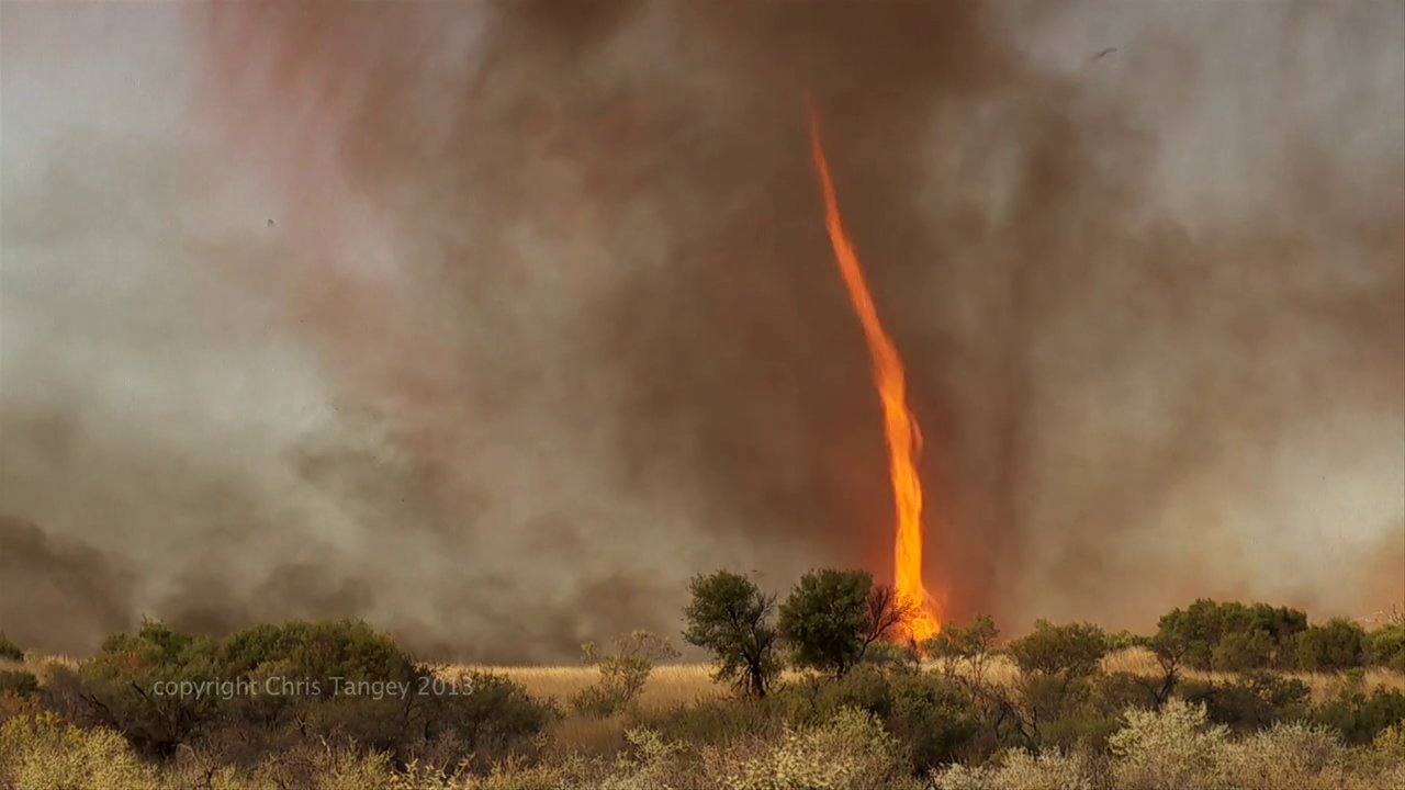 """Pillar of fire"" Australia- in real-time"