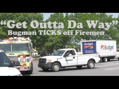 Bugman TICKS off firefighters going to vehicle fire