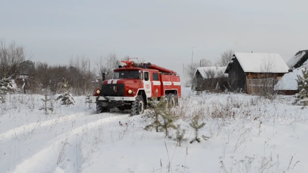 Old Russian fire trucks are still in the ranks