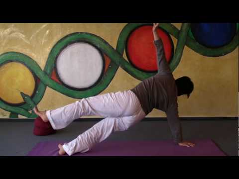 Side Inclined Plane - Yoga for Strengthening your Back - Purvotthasana