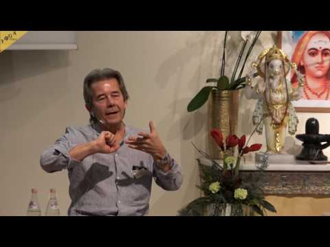 """19th Yoga Congress - """"The role of a guru from a modern perspective"""" with Shanmug"""