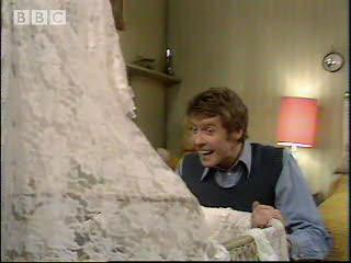 I spy with my little eye - Some Mothers Do Ave Em - BBC classic comedy