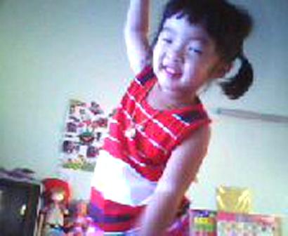 อ้ายอ้าย ฝึกเต้นเพลงจีนค่ะ
